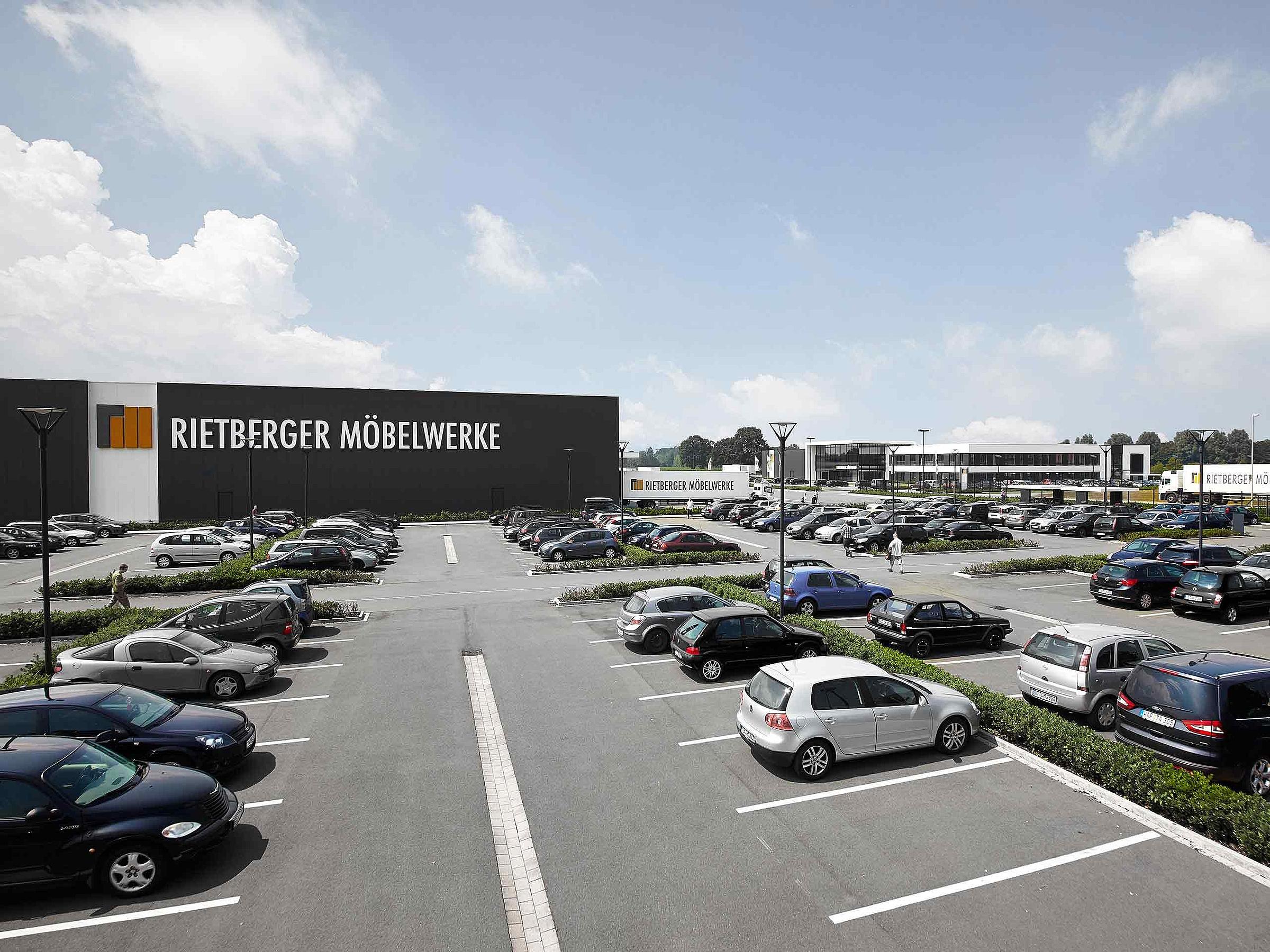 RMW Produktion Parkplatz